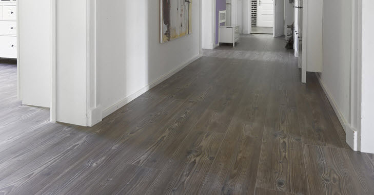 21 tips how to clean vinyl plank flooring the best way for Pvc hardwood flooring