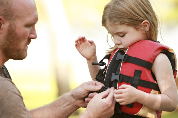 Boating Safety Tips for Kids