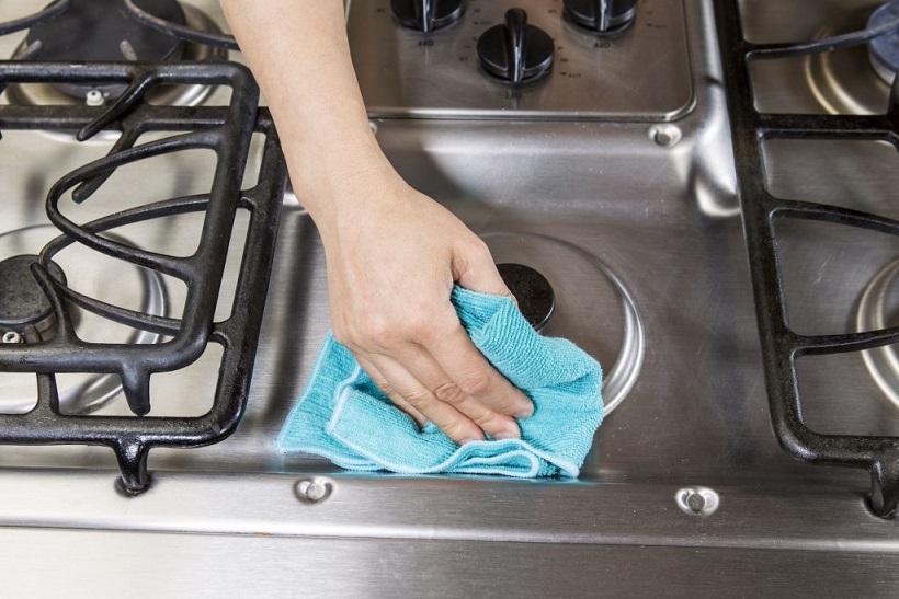 wipe the stove