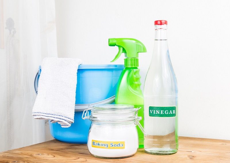 DIY Cleaning of Your Home With Vinegar