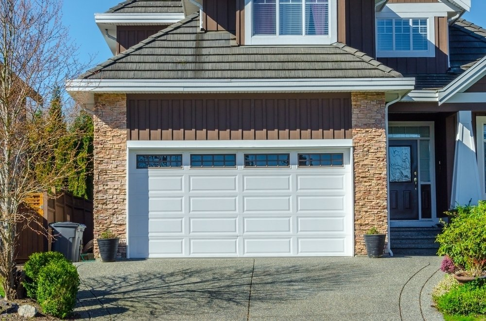 outside picture of a garage