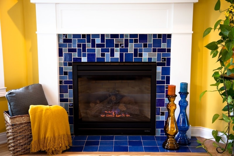 Fireplace decorated with ceramic tile